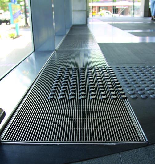 Wedgewire floor grate